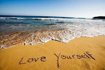 Amare se stessi è il primo passo verso una totale crescita spirituale.  Quando inizi ad amare te stesso, il mondo intorno a te cambia, diventi il centro di tutto e di conseguenza quello che sta accadendo dentro di te si rispecchia anche fuori... amandoti vivi nella gioia del qui ed ora e diventi un magnete per gli altri.  Amando noi stessi comprendiamo il vero significato della parola AMORE, nella sua pienezza e nel suo splendore.